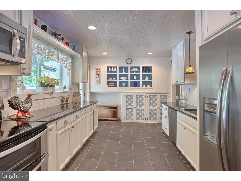 独户住宅 为 销售 在 429 LAUREL Street Minersville, 宾夕法尼亚州 17954 美国