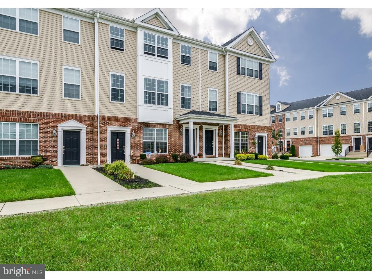 Maison accolée pour l à louer à 74 RIVERWALK BLVD Burlington Township, New Jersey 08016 États-Unis