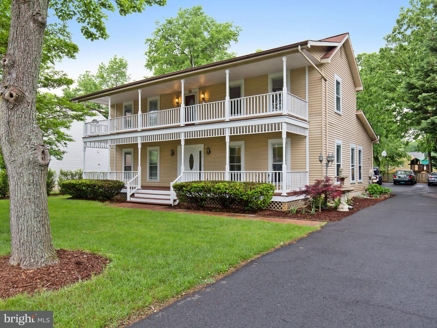 Single Family for Sale at 7896 Oak St Dunn Loring, Virginia 22027 United States