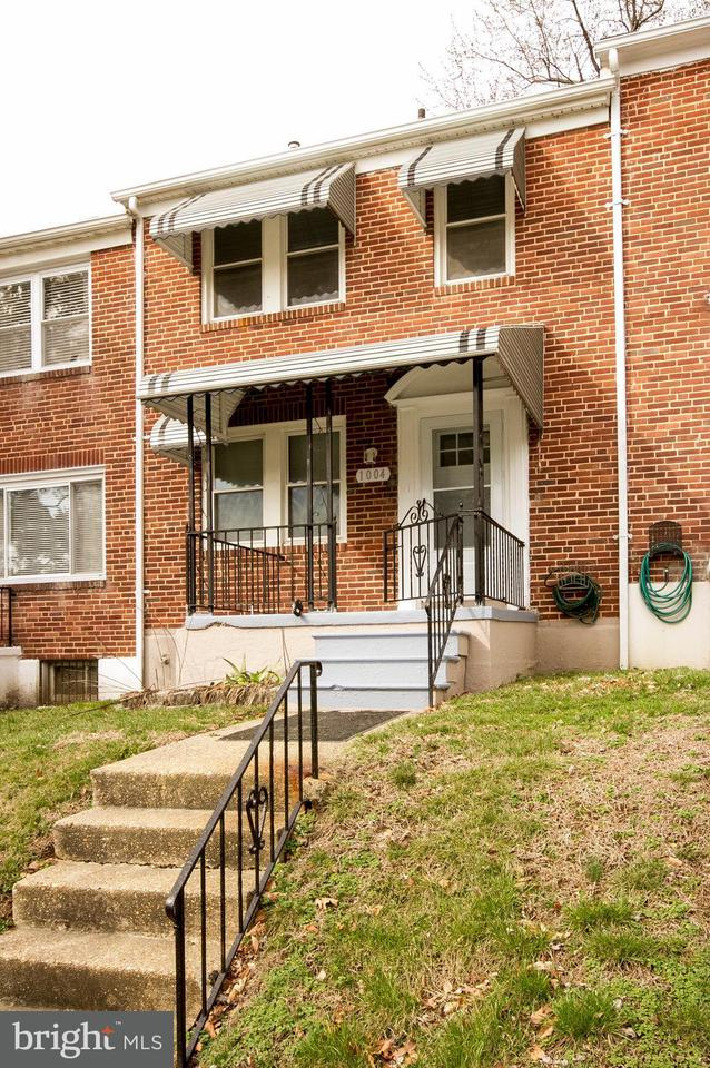 Single Family for Sale at 1004 Wildwood Pkwy Baltimore, Maryland 21229 United States