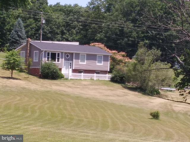 Single Family for Sale at 880 Tangle Wood Loop New Creek, West Virginia 26743 United States