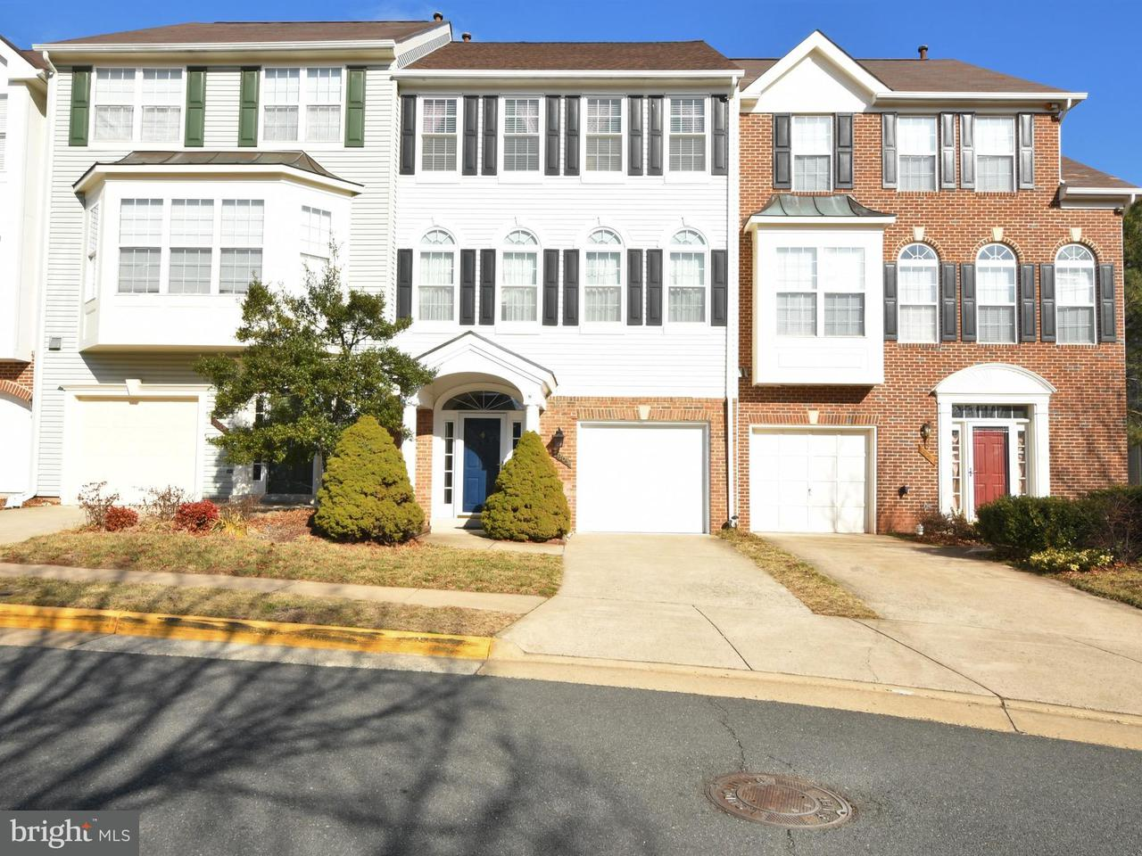 Townhouse for Sale at 21203 Owls Nest Sq 21203 Owls Nest Sq Ashburn, Virginia 20147 United States