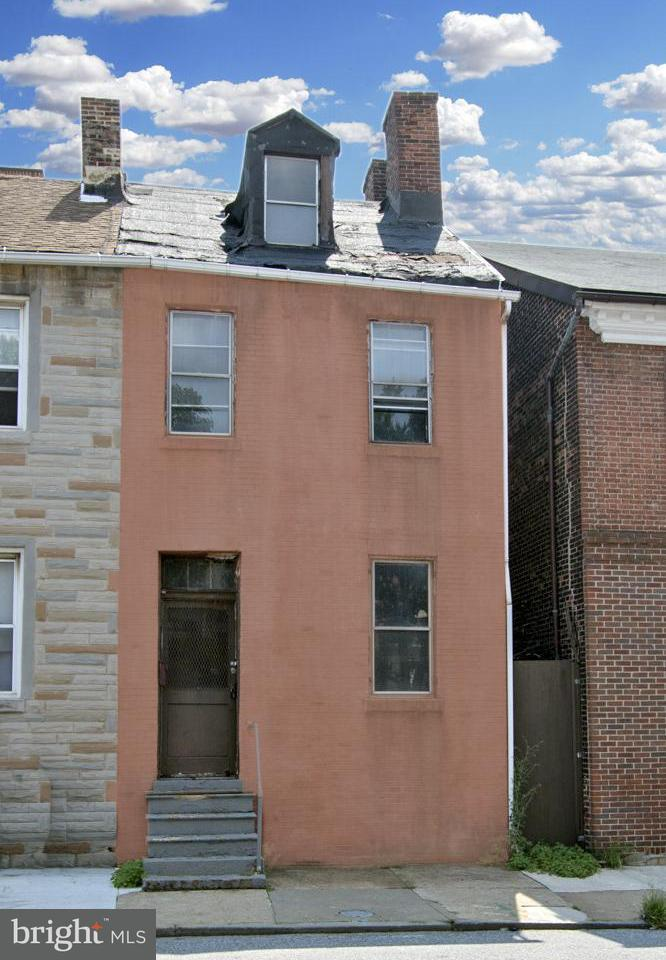 Photo of home for sale at 839 Lombard Street, Baltimore MD