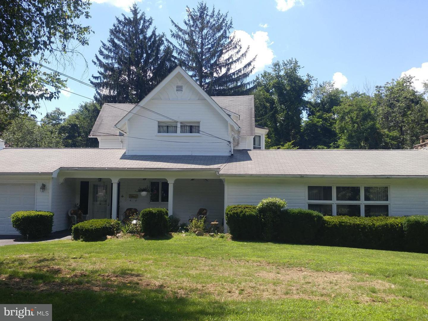 Single Family for Sale at 225 Central Ave Westernport, Maryland 21562 United States
