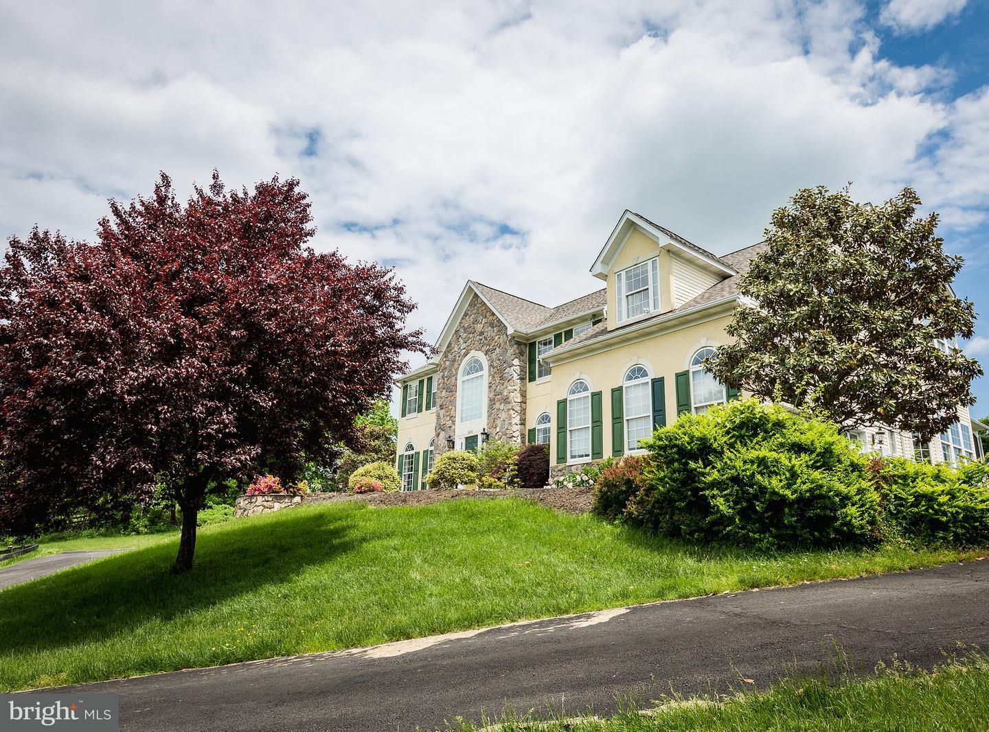 Single Family for Sale at 16810 Old Waterford Rd Paeonian Springs, Virginia 20129 United States