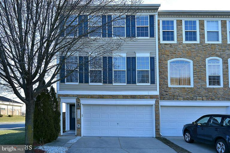 Townhouse for Sale at 21750 Flora Springs Ter 21750 Flora Springs Ter Ashburn, Virginia 20147 United States