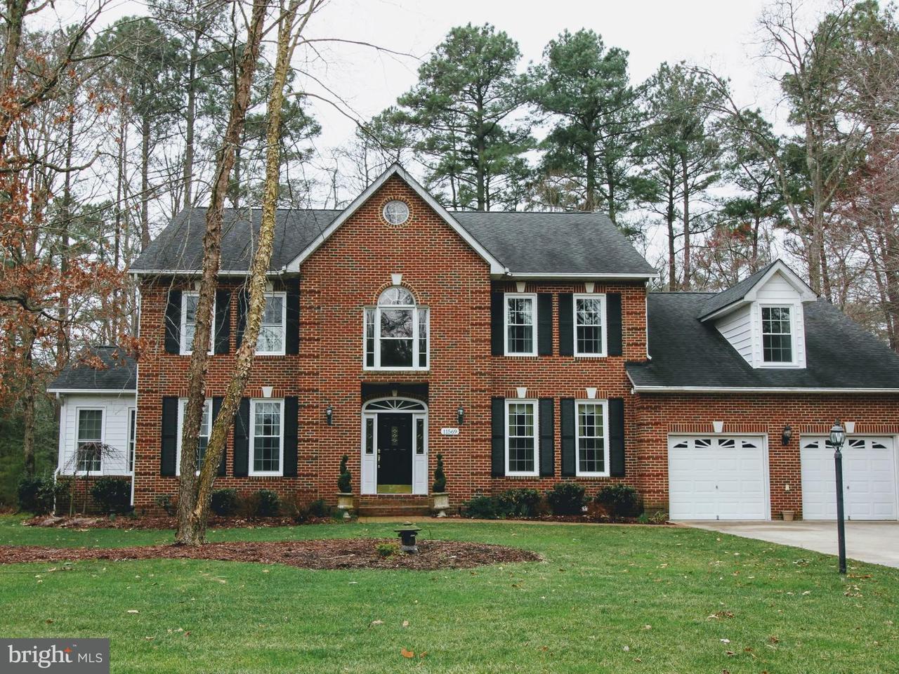 独户住宅 为 销售 在 11569 Beacon Hill Court 11569 Beacon Hill Court Swan Point, 马里兰州 20645 美国