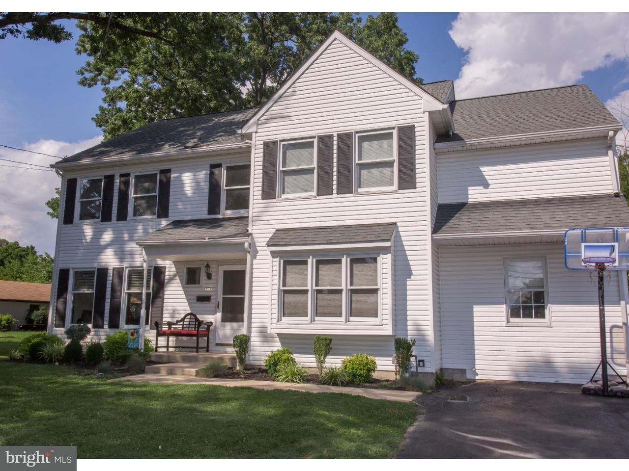 Maison unifamiliale pour l Vente à 802 AMOSLAND Road Morton, Pennsylvanie 19070 États-Unis
