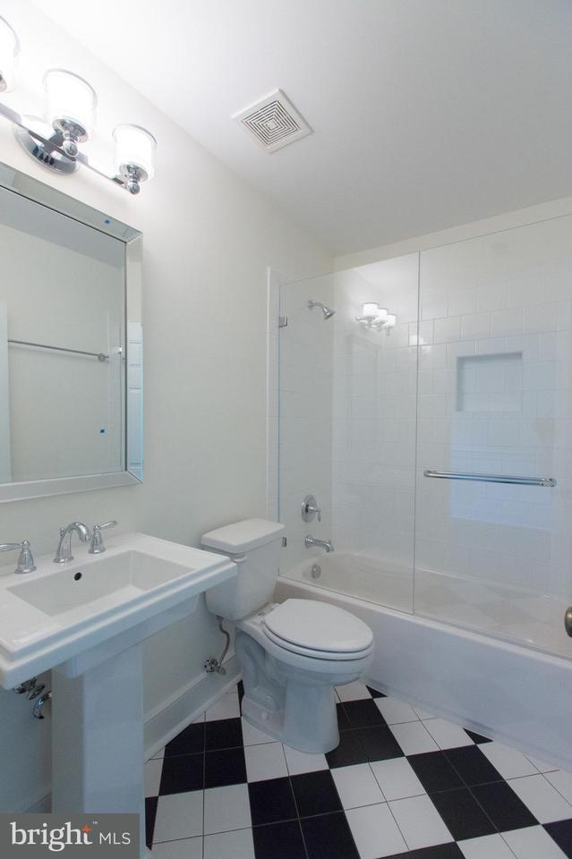 Additional photo for property listing at 1200 William Street 1200 William Street Fredericksburg, Βιρτζινια 22401 Ηνωμενεσ Πολιτειεσ