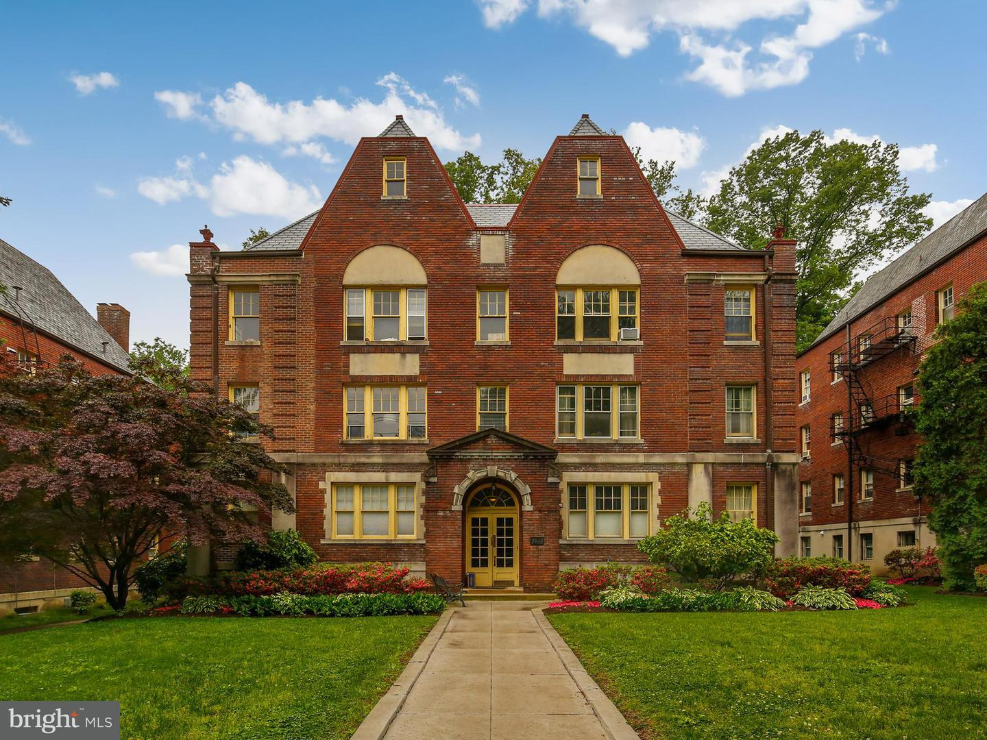 Single Family for Sale at 3020 Porter St NW #103 Washington, District Of Columbia 20008 United States
