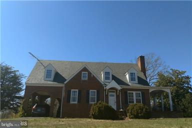Commercial for Sale at 181 Sprouses Corner Rd Dillwyn, Virginia 23936 United States