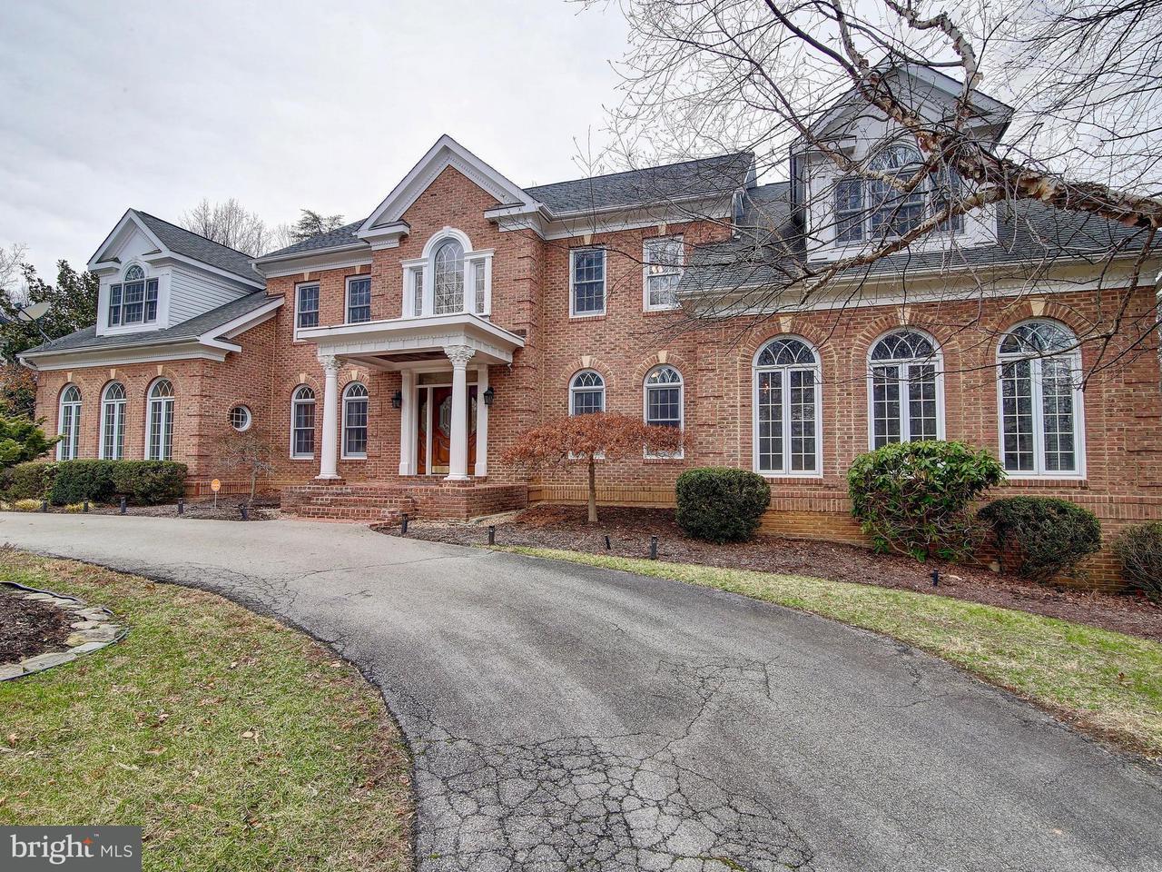 Частный односемейный дом для того Продажа на 11220 September Lane 11220 September Lane Fairfax Station, Виргиния 22039 Соединенные Штаты