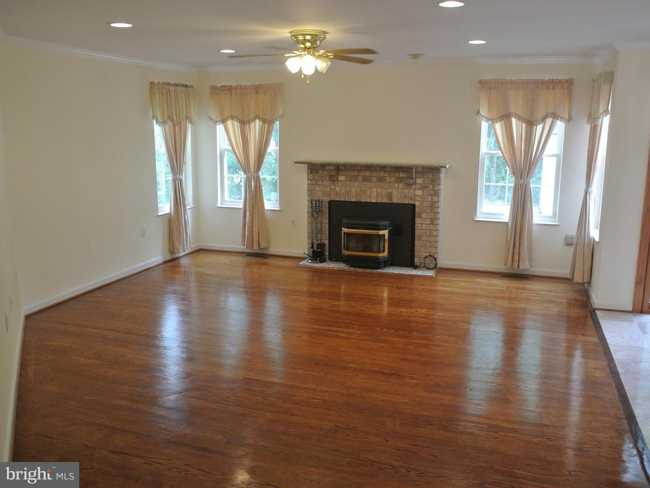 Additional photo for property listing at 14505 Golden Eagle Court 14505 Golden Eagle Court Burtonsville, 马里兰州 20866 美国