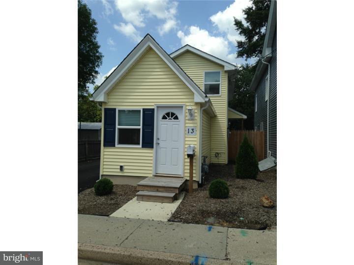 Maison unifamiliale pour l à louer à 13 E MILLBROOKE Avenue Woodstown, New Jersey 08098 États-Unis