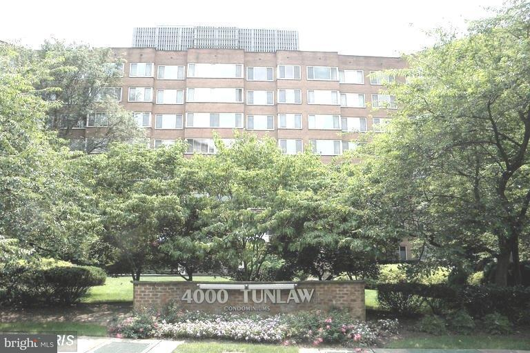 Condominium for Rent at 4000 Tunlaw Rd NW #227 Washington, District Of Columbia 20007 United States