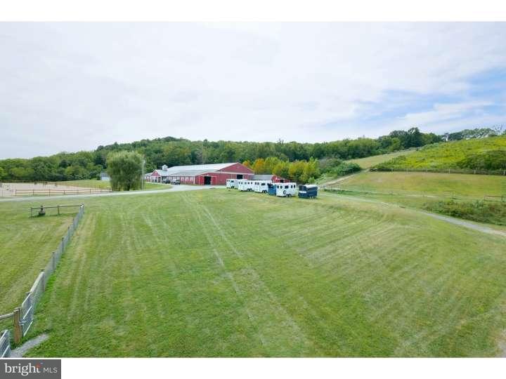 独户住宅 为 销售 在 2557 ACKERMANVILLE Road Bangor, 宾夕法尼亚州 18013 美国