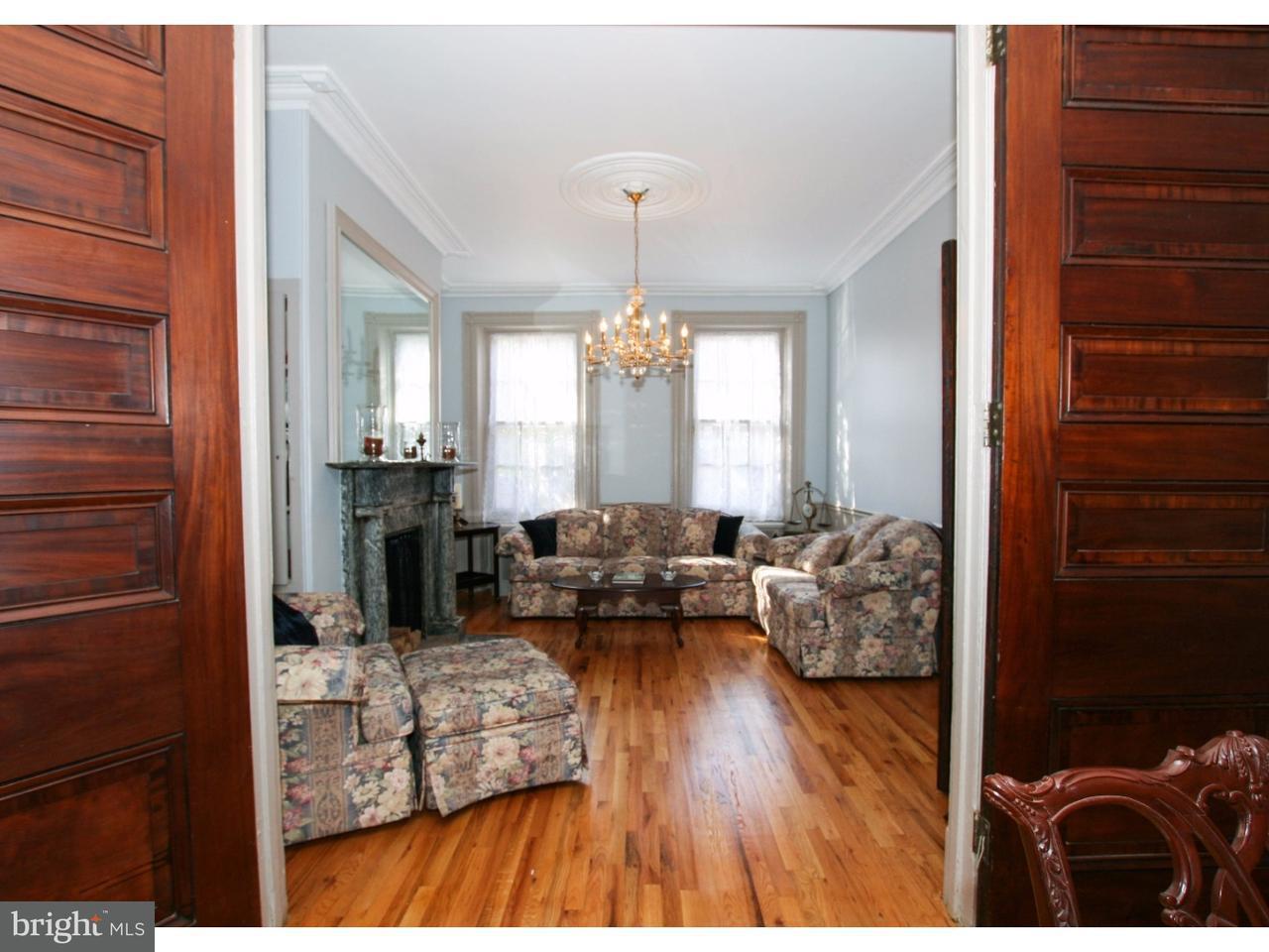 Maison unifamiliale pour l Vente à 783 S FRONT Street Philadelphia, Pennsylvanie 19147 États-Unis