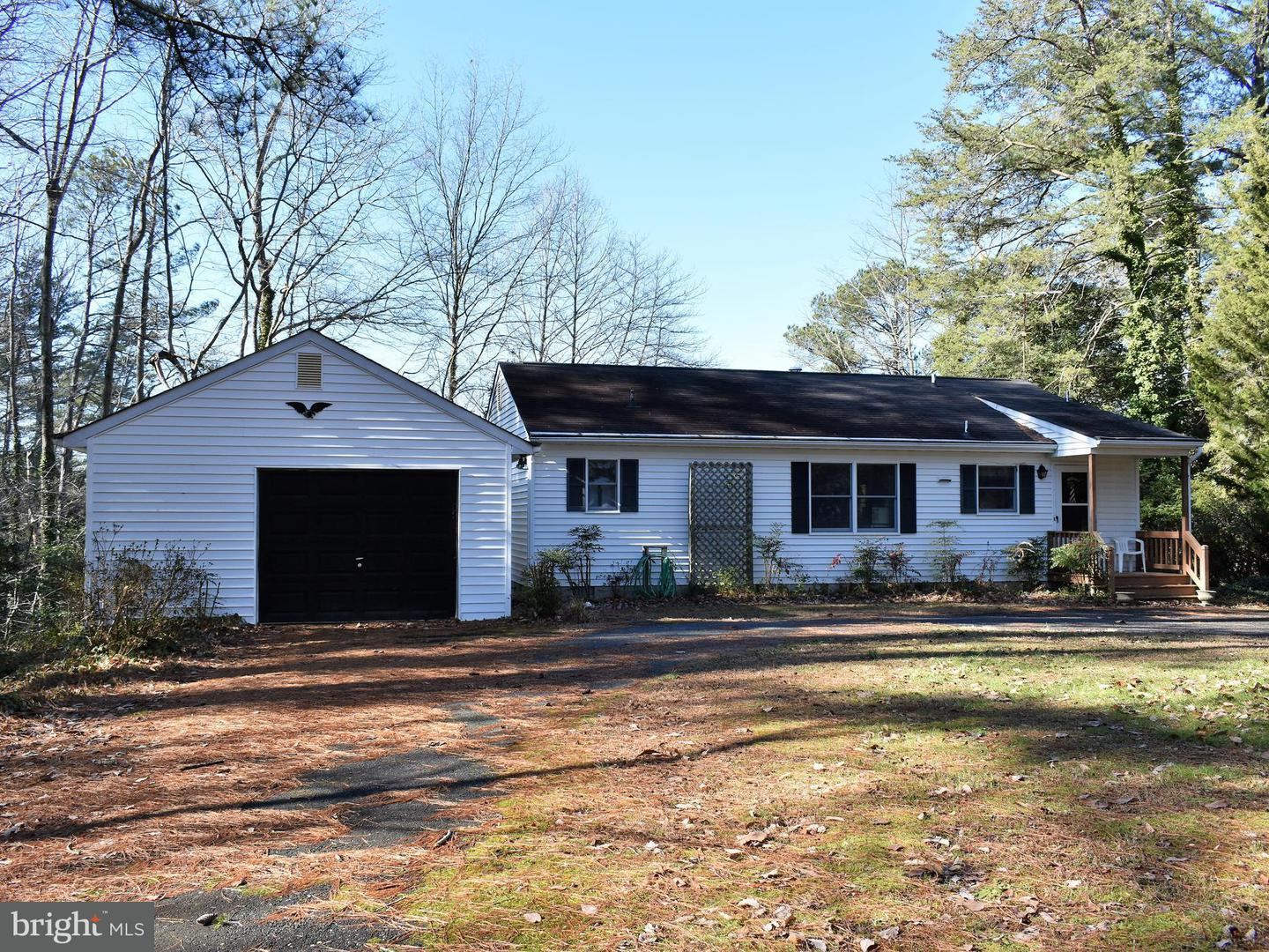 Single Family for Sale at 417 Hideaway Point Rd Topping, Virginia 23169 United States