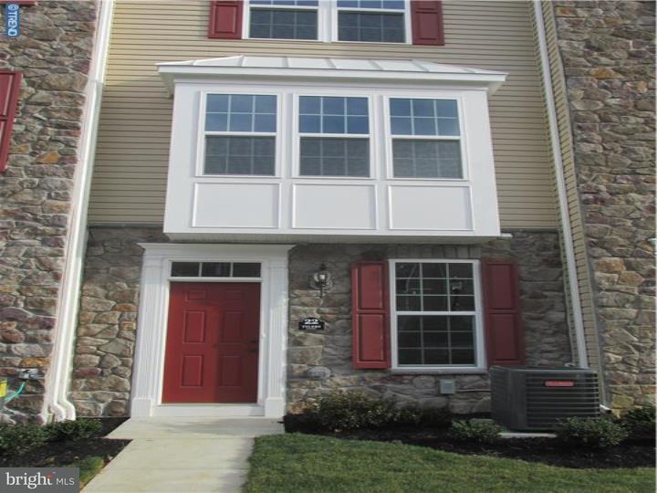 Casa unifamiliar adosada (Townhouse) por un Alquiler en 26 TYLERS Court Somerdale, Nueva Jersey 08083 Estados Unidos