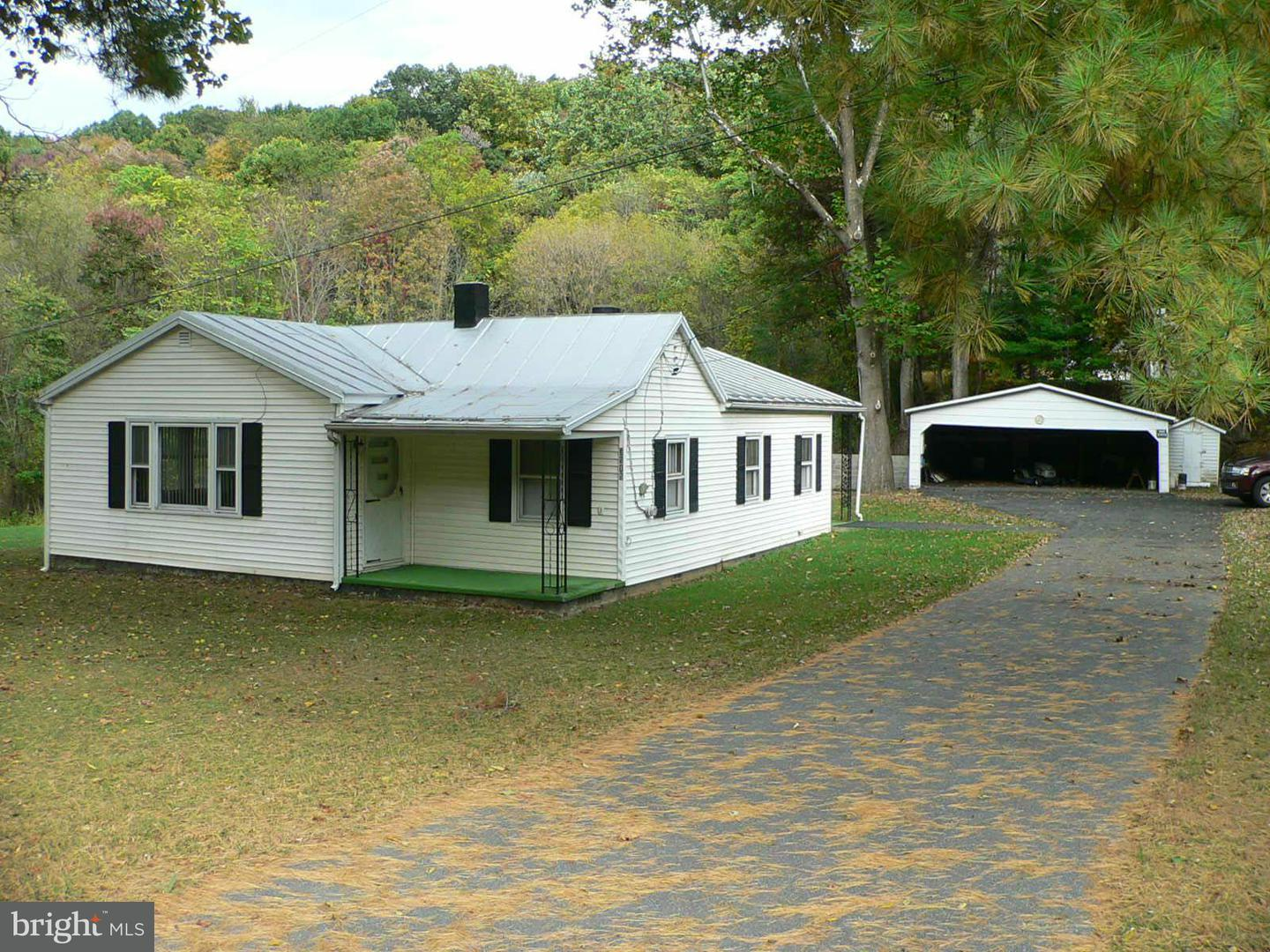 Single Family for Sale at 3515 Lucas Hollow Rd Stanley, Virginia 22851 United States