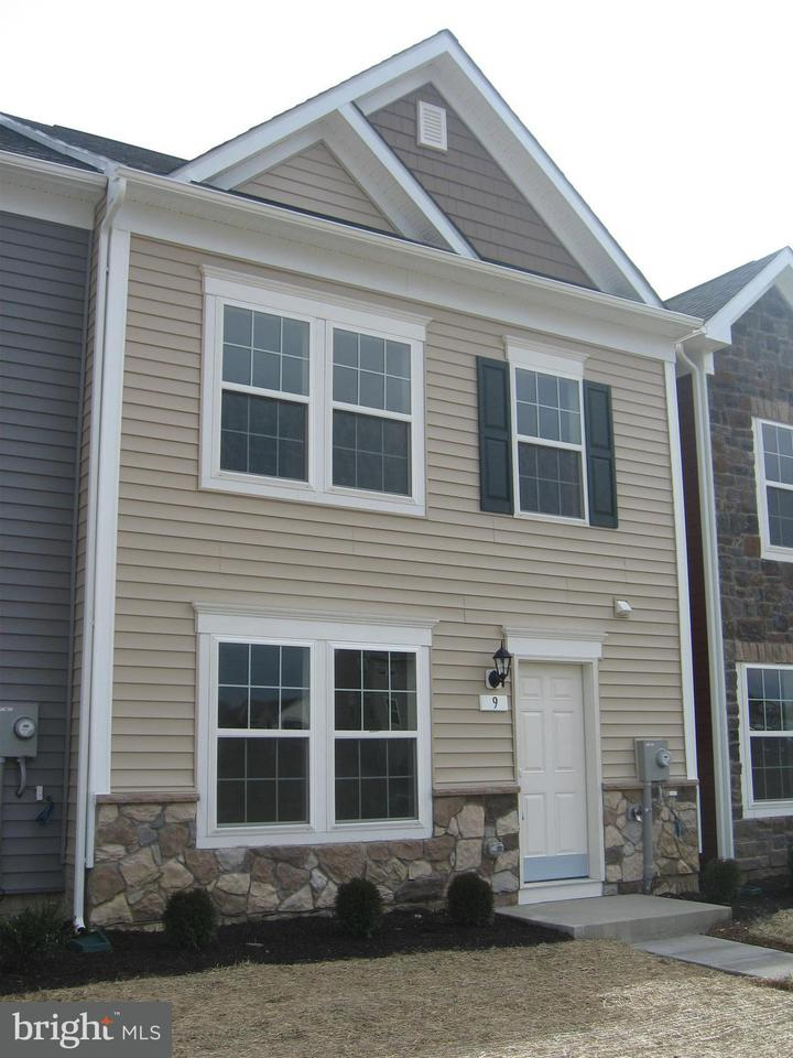 Other Residential for Rent at 9 Darien Dr Bunker Hill, West Virginia 25413 United States