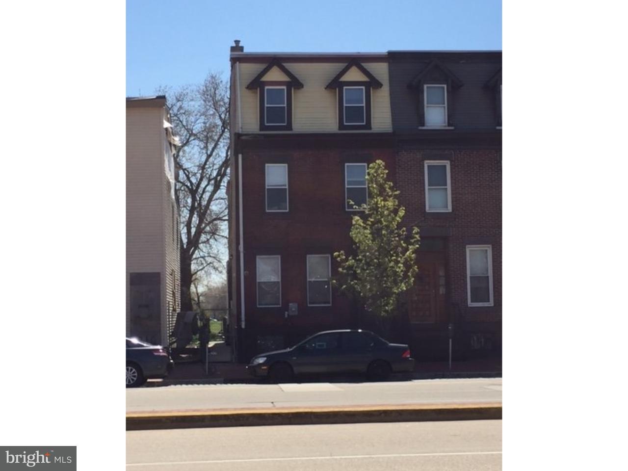 Частный односемейный дом для того Продажа на 308 MARTIN LUTHER KING BLVD Camden, Нью-Джерси 08103 Соединенные Штаты