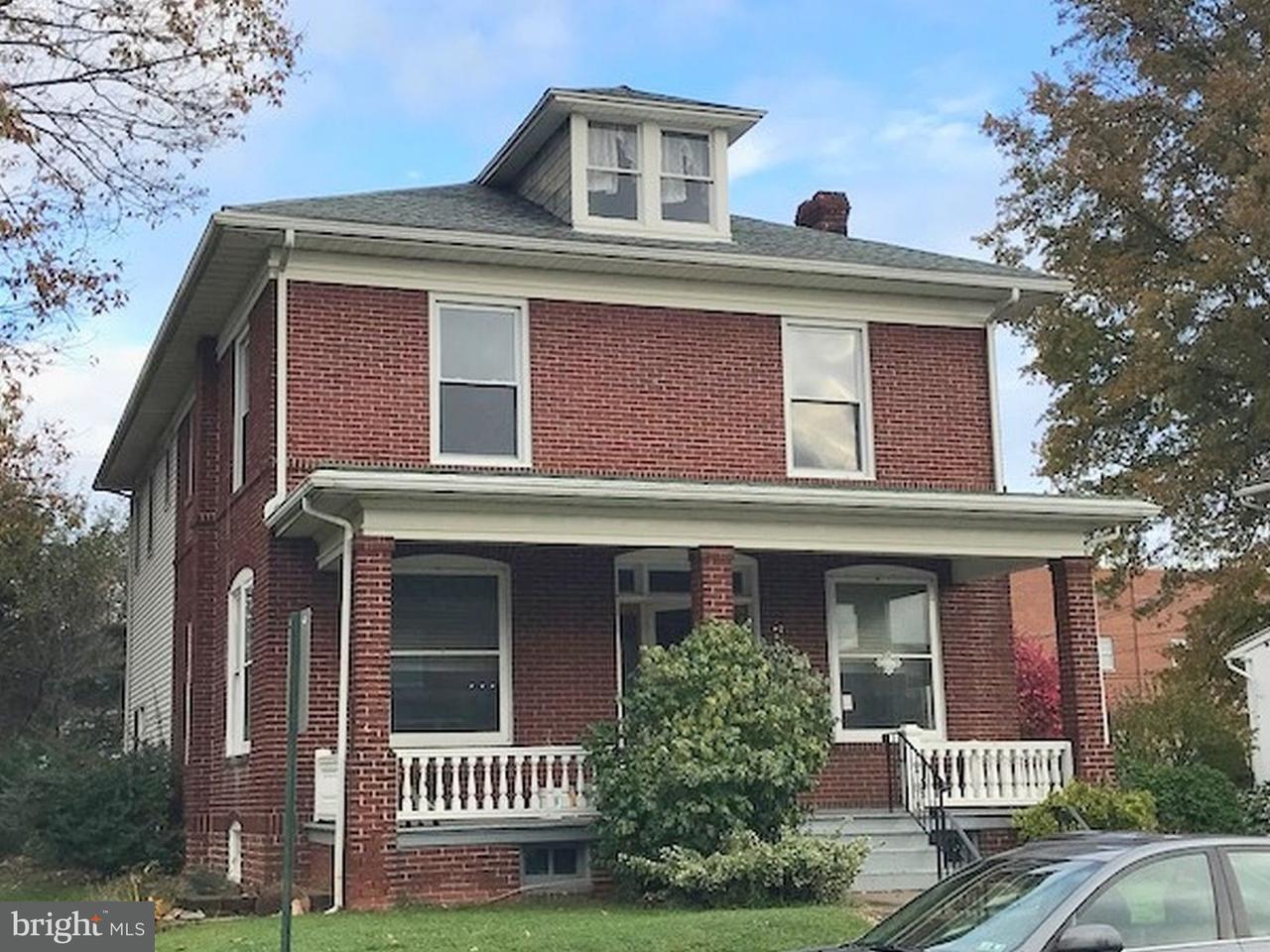 Частный односемейный дом для того Продажа на 429 FRANKLIN Street Shoemakersville, Пенсильвания 19555 Соединенные Штаты