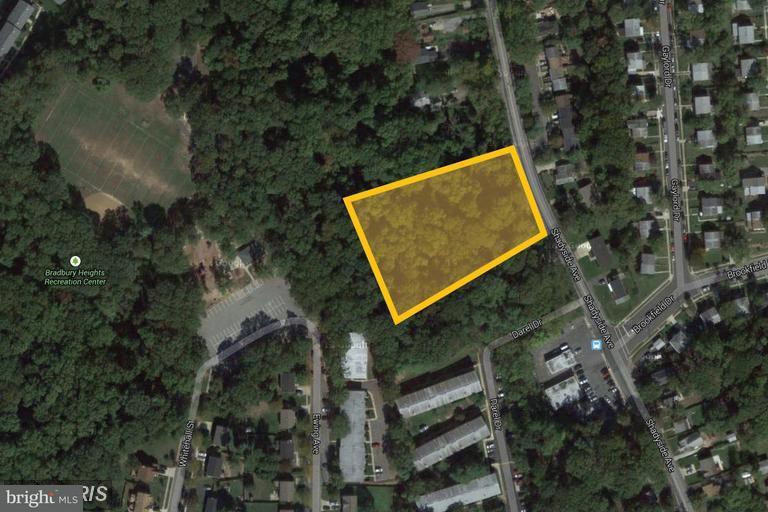 Οικόπεδο για την Πώληση στο 4300 Bradbury Court 4300 Bradbury Court Suitland, Μεριλαντ 20746 Ηνωμενεσ Πολιτειεσ