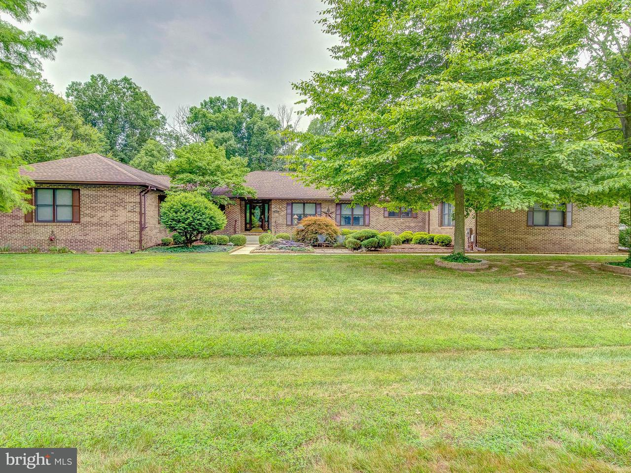 独户住宅 为 销售 在 8601 Creek Court 8601 Creek Court White Plains, 马里兰州 20695 美国