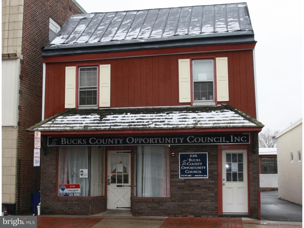 独户住宅 为 销售 在 226 MILL Street 布里斯托尔, 宾夕法尼亚州 19007 美国