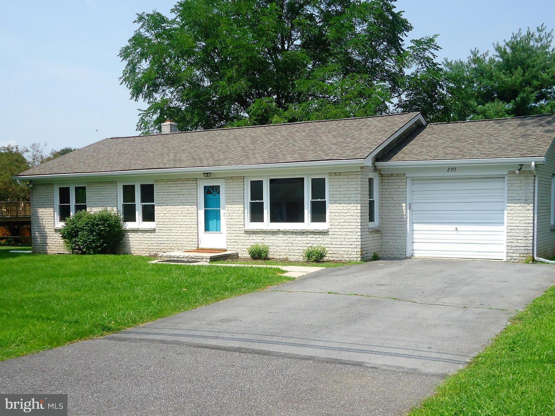 Single Family for Sale at 203 University Dr Mont Alto, Pennsylvania 17237 United States