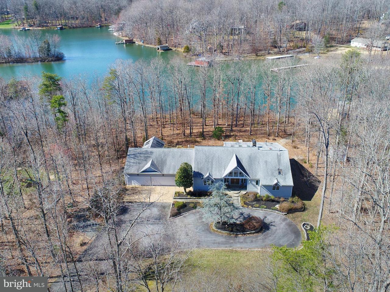 Einfamilienhaus für Verkauf beim 2905 Wallers Quarters Road 2905 Wallers Quarters Road Bumpass, Virginia 23024 Vereinigte Staaten