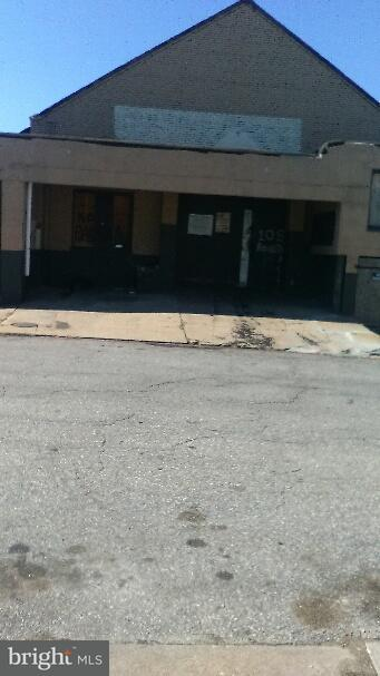 Commercial for Sale at 10 S Bouldin St Baltimore, Maryland 21224 United States