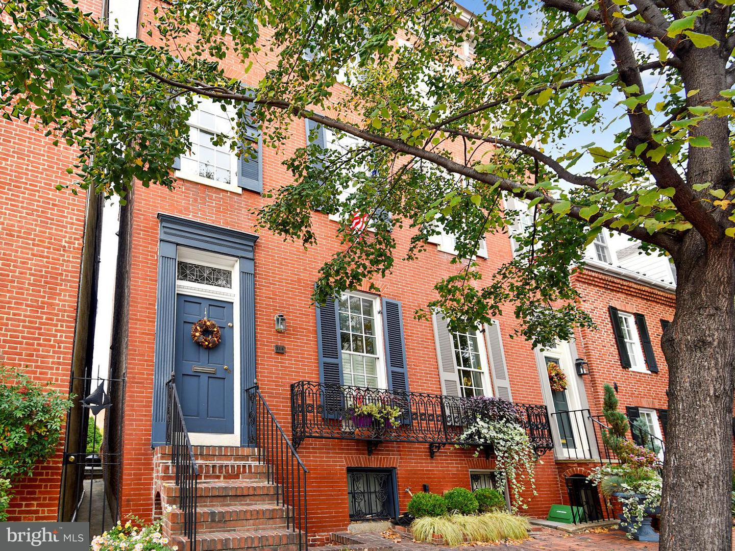Single Family for Sale at 114 Montgomery St E Baltimore, Maryland 21230 United States