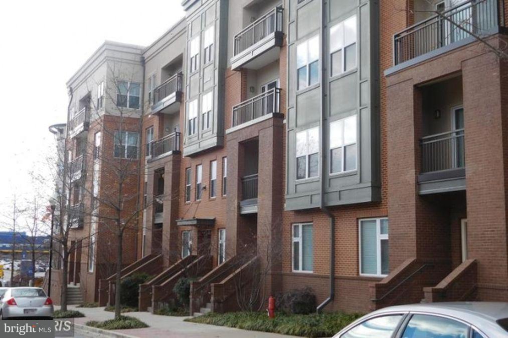 Casa unifamiliar adosada (Townhouse) por un Venta en 9623 Milestone Way #D-2 9623 Milestone Way #D-2 College Park, Maryland 20740 Estados Unidos