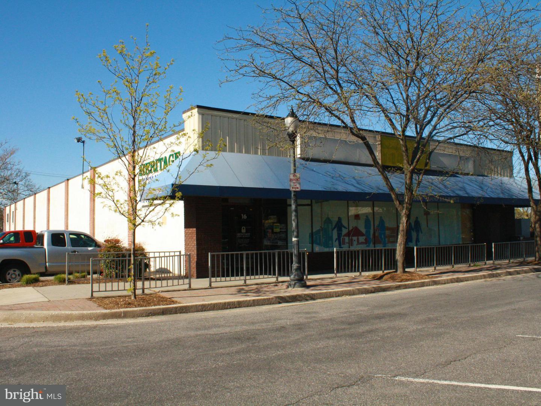 Commercial for Sale at 16 Center Pl Dundalk, Maryland 21222 United States