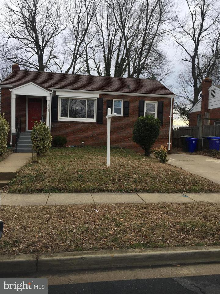 Other Residential for Rent at 5027 Edgewood Rd College Park, Maryland 20740 United States