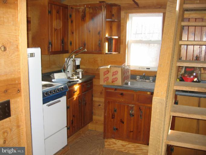 Additional photo for property listing at 1767 Feltner Rd  Bluemont, Virginia 20135 United States