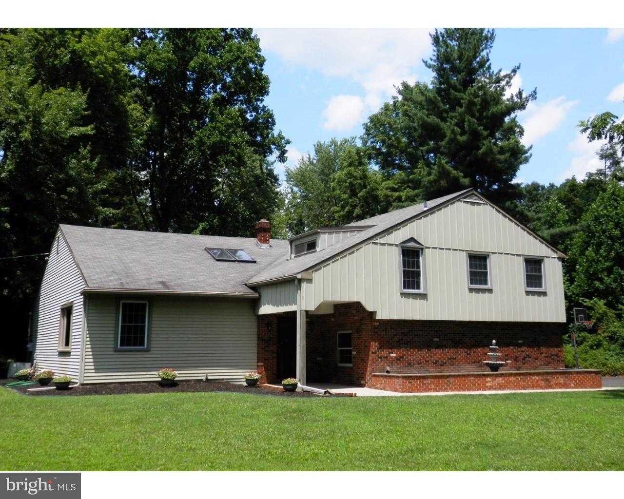 Частный односемейный дом для того Аренда на 526 CEDAR HILL Road Ambler, Пенсильвания 19002 Соединенные Штаты