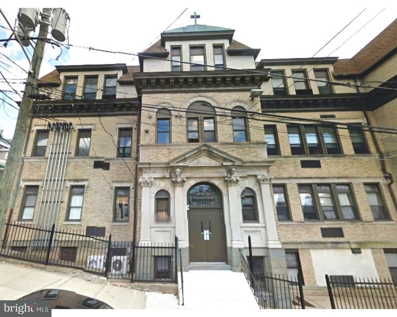 独户住宅 为 出租 在 171 GRAPE ST #201 费城, 宾夕法尼亚州 19127 美国