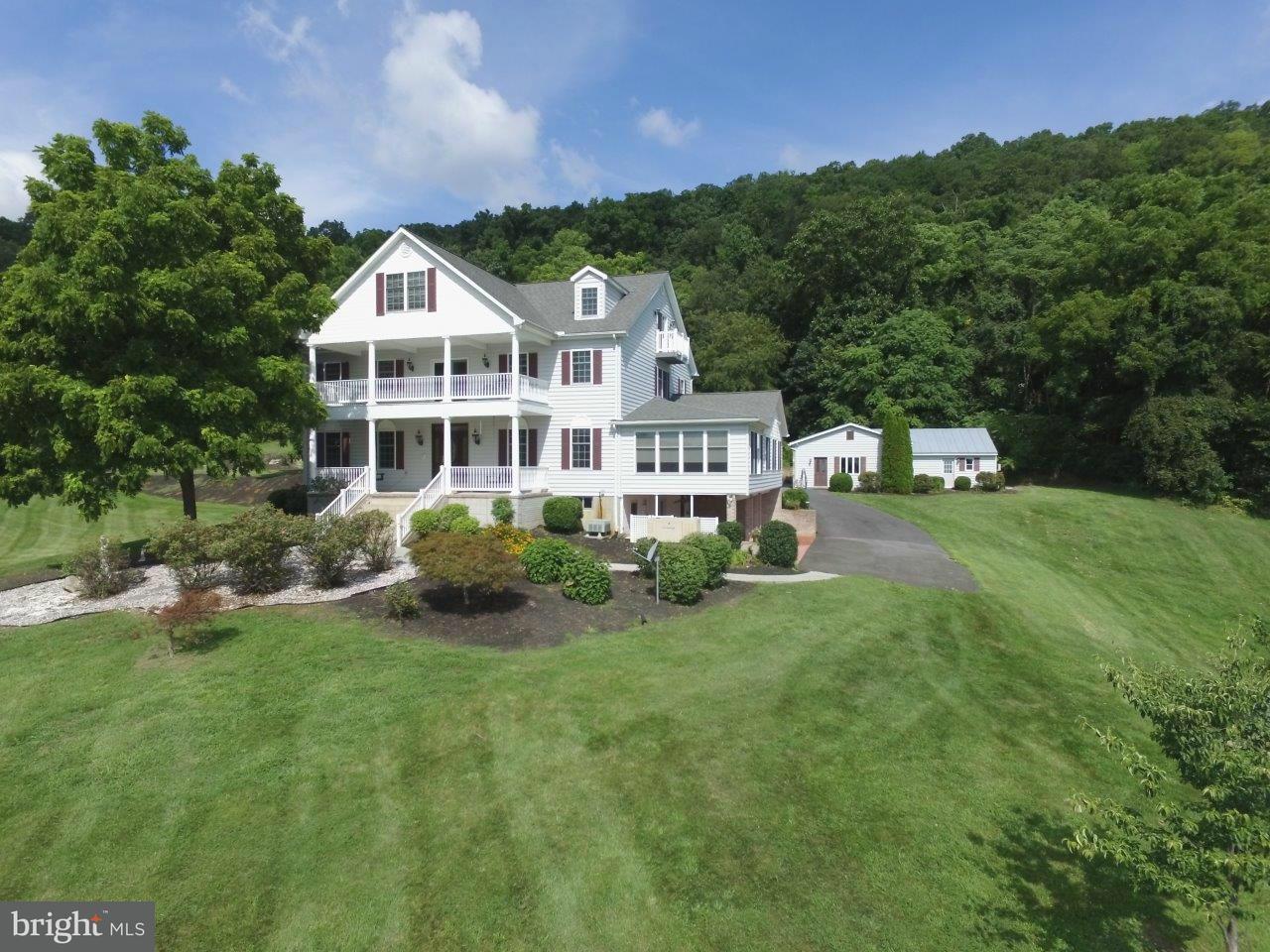 Villa per Vendita alle ore 697 Cottontown Road 697 Cottontown Road Strasburg, Virginia 22657 Stati Uniti