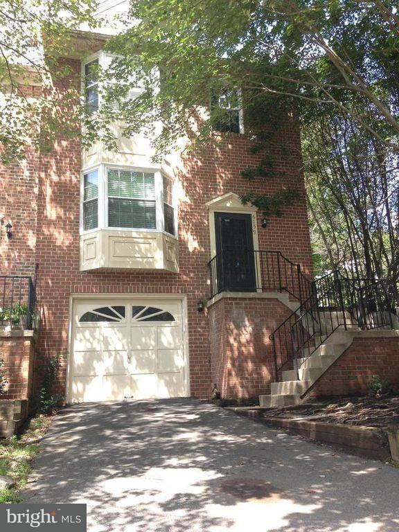 Additional photo for property listing at 6159 Forest Creek Lane 6159 Forest Creek Lane Springfield, Virginia 22152 Verenigde Staten
