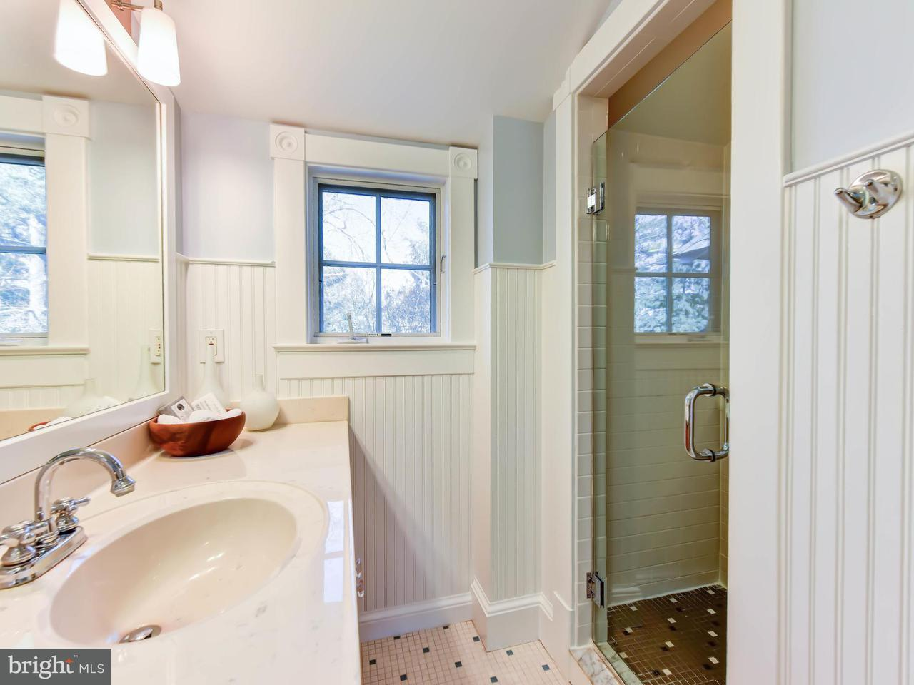 Additional photo for property listing at 401 Broad St E 401 Broad St E Falls Church, 버지니아 22046 미국
