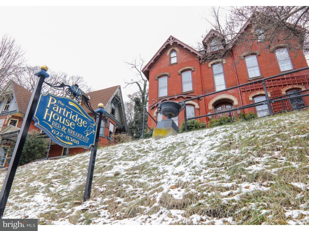 独户住宅 为 销售 在 315 S CENTRE Street 基尔港, 宾夕法尼亚州 17901 美国