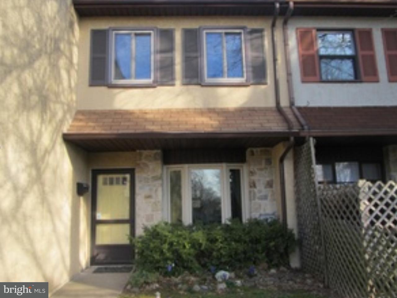 Casa unifamiliar adosada (Townhouse) por un Alquiler en 2268 SUZANN Drive Warrington, Pennsylvania 18976 Estados Unidos