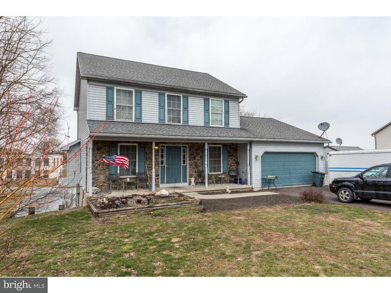 Single Family Home for Sale at 101 SELTZER Avenue Womelsdorf, Pennsylvania 19567 United States