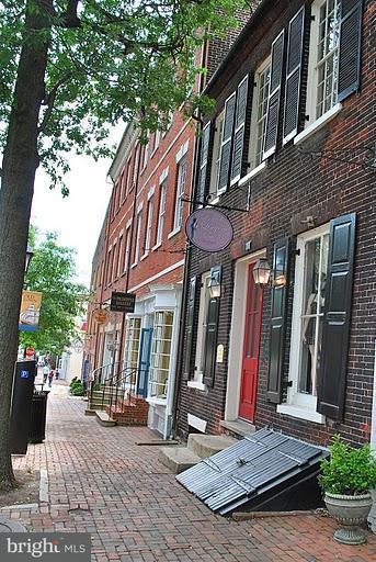 Additional photo for property listing at 10 Duke St #Residence 1-501 10 Duke St #Residence 1-501 Alexandria, Virginia 22314 United States
