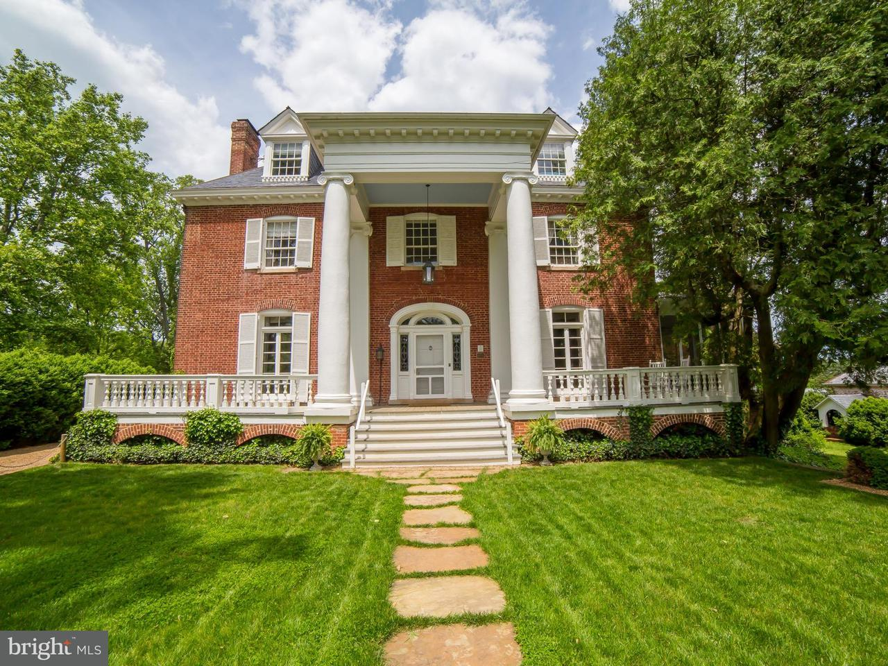 Villa per Vendita alle ore 7129 James Madison Hwy 7129 James Madison Hwy Warrenton, Virginia 20187 Stati Uniti