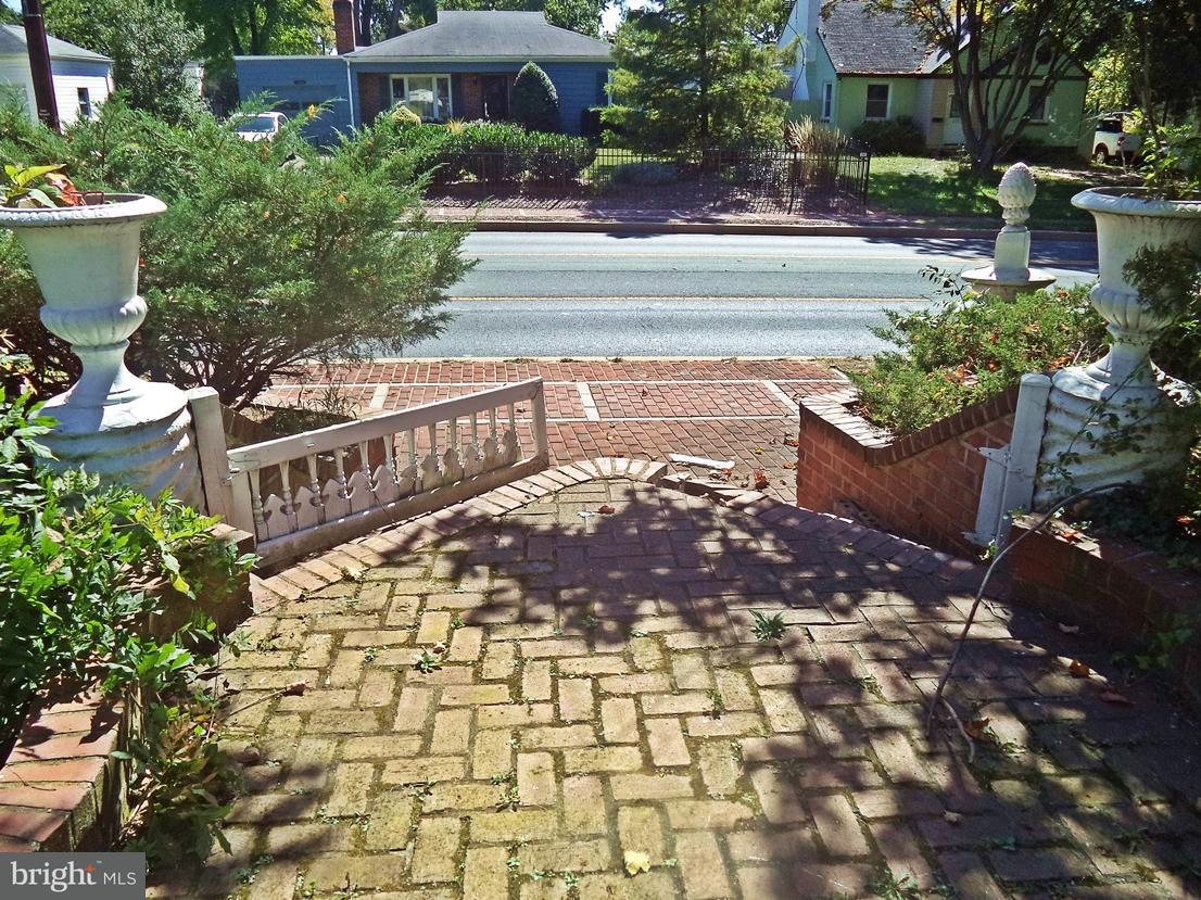 Land for Sale at 531 W Montgomery Avenue 531 W Montgomery Avenue Rockville, Maryland 20850 United States