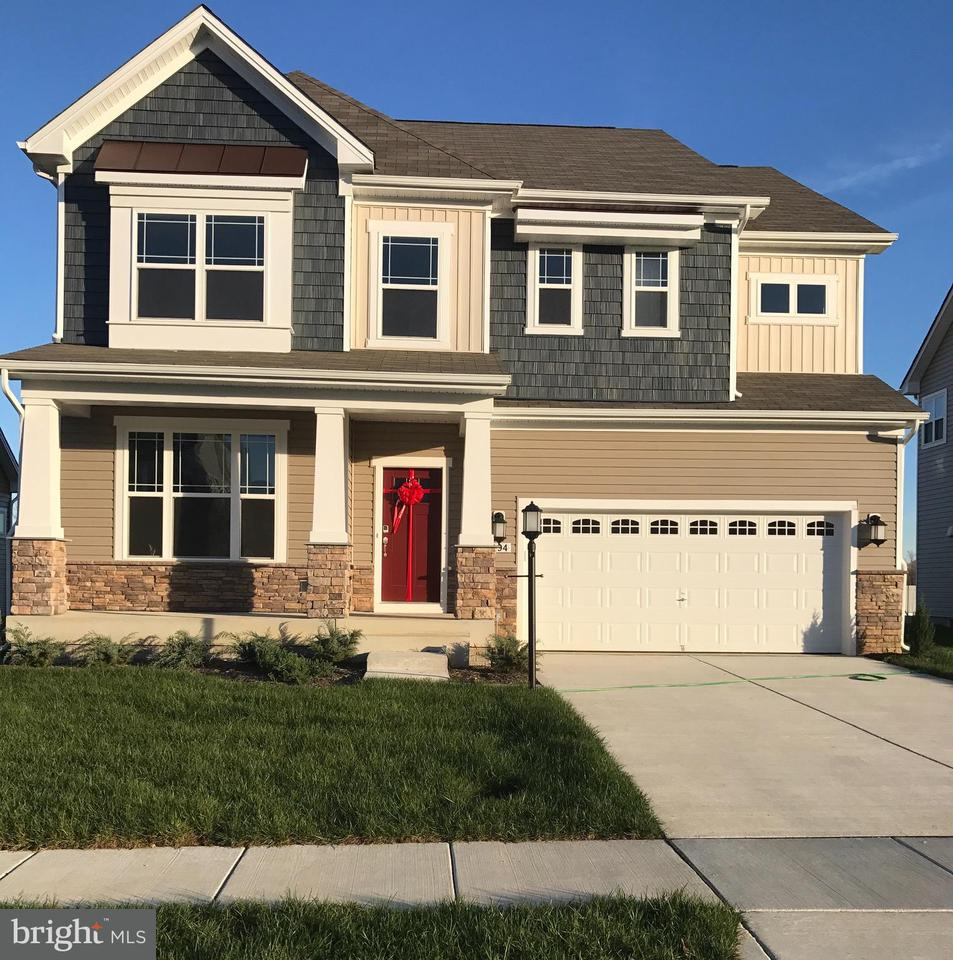 独户住宅 为 销售 在 5494 Friars Lane 5494 Friars Lane White Plains, 马里兰州 20695 美国